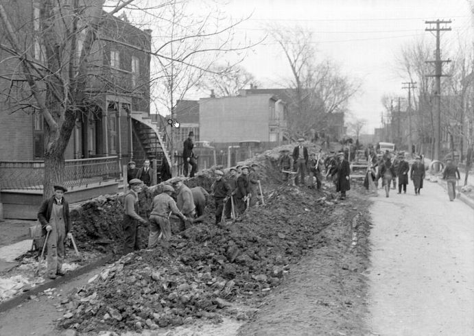 Sewer work in Verdun, 1938